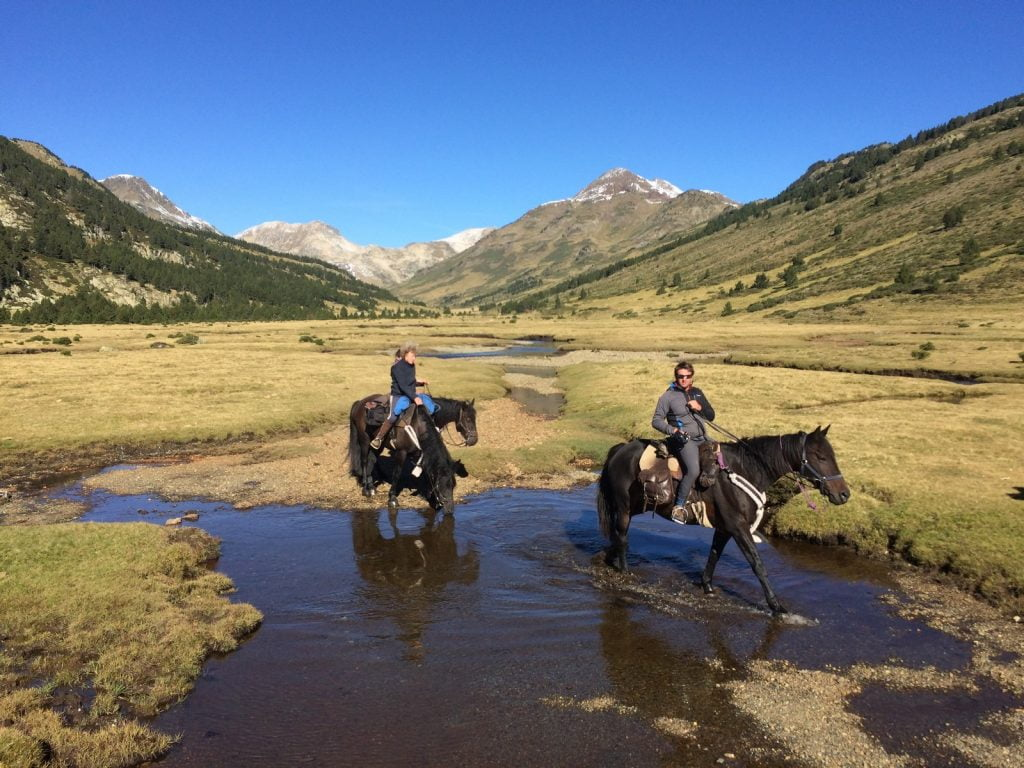 ballade à cheval en montagne